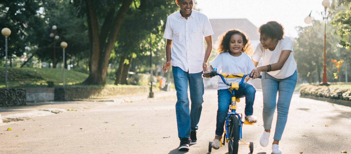 child-couple-cyclist-1128318